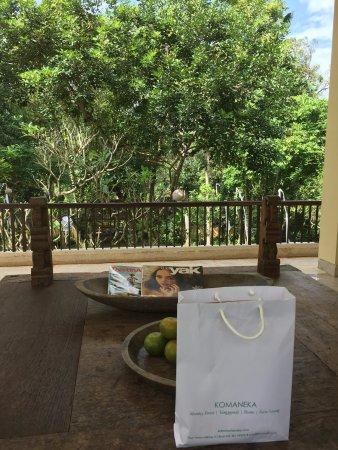 Komaneka at Tanggayuda: Front office and farewell gift pack
