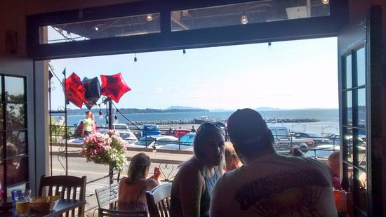 White Rock, Kanada: Looking out