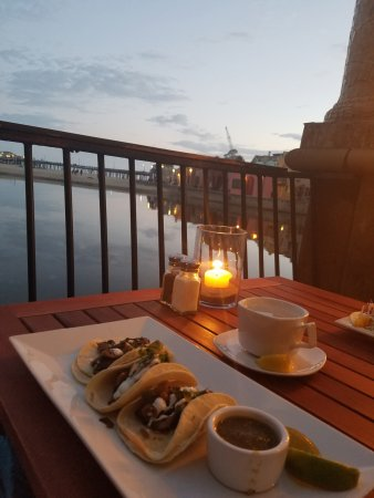 Capitola, CA: Wild Mushroom tacos and view