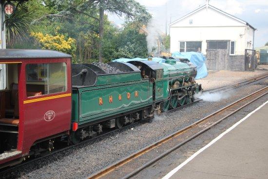 Romney, Hythe and Dymchurch Railway: Southern Maid leaving Romney