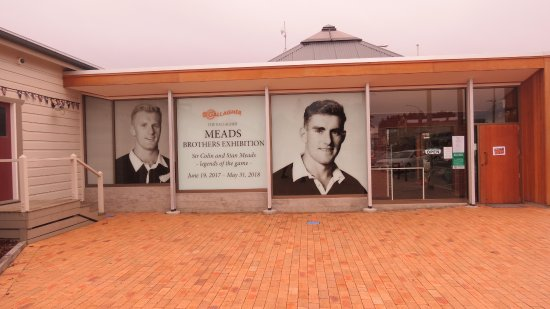 Te Kuiti, New Zealand: Outside display.
