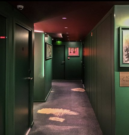 Hallway on fourth floor - Picture of