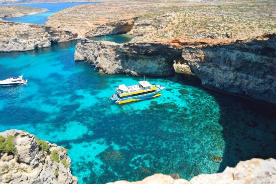 Bugibba, มอลตา: Sea Adventure in Crystal Lagoon, Comino