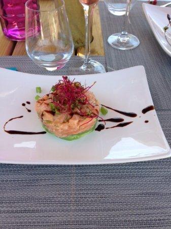 Joue-les-Tours, France: Tartare avocat et saumon