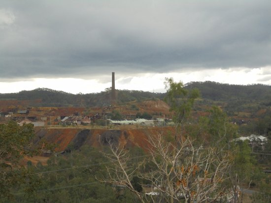 Mount Morgan, Australia: Looking back towards the old mine