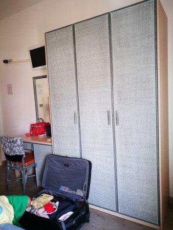 Hotel Villa Mauri: Camera molto spaziosa