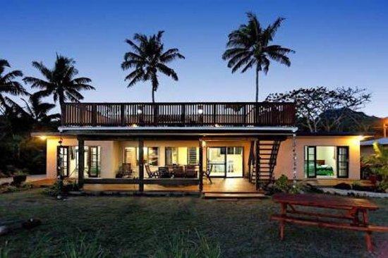 Vaimaanga, หมู่เกาะคุก: Raro Beach Bach