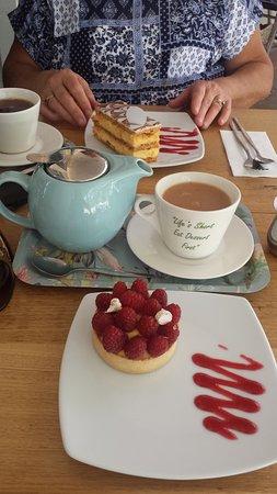 Berrima, Australia: Life's short, eat dessert first!