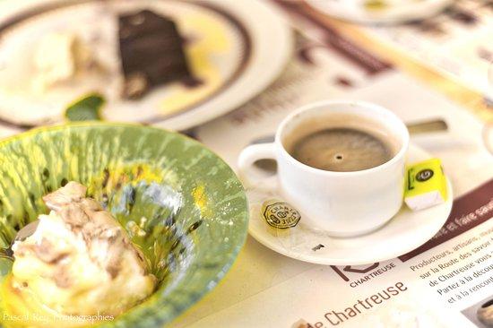 Miribel-les-Echelles, França: Desserts et son café pour terminer en beauté!
