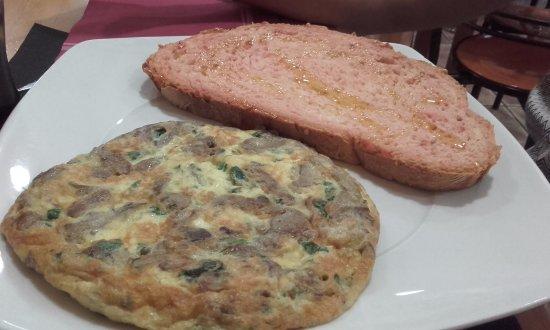 Gosol, Spania: Tortilla de champiñones de la zona