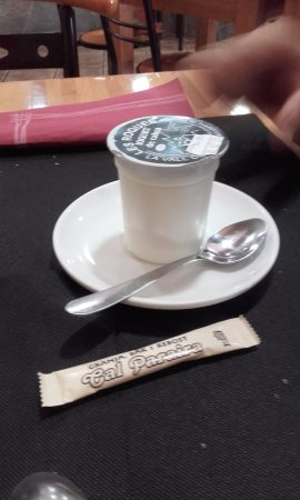 Gosol, สเปน: Yogurt de leche de cabra