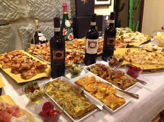 Strada in Chianti, Italia: La Dispensa di Andrea e Gregorio
