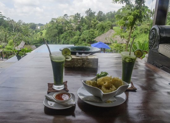 Amori Villas: Welcome drink & snack