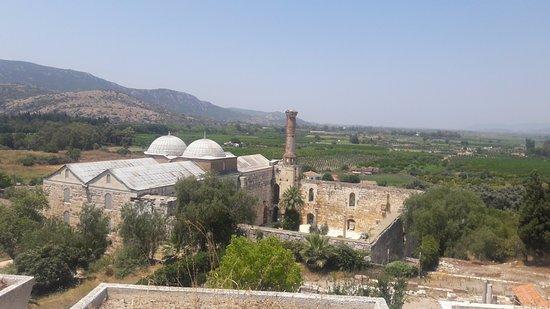 Isa Bey Mosque: Kaleden Camiiye bakış