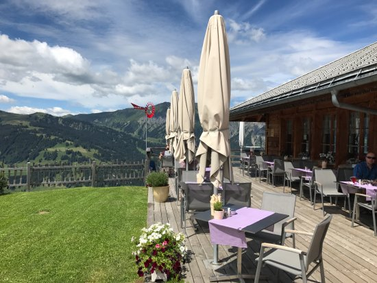 sch ne terrasse picture of bergrestaurant buhlberg lenk im simmental tripadvisor. Black Bedroom Furniture Sets. Home Design Ideas