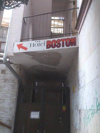 Hotel Boston: Направление движения к отелю.