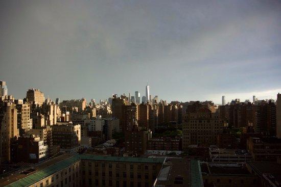 Fairfield Inn & Suites New York Midtown Manhattan/Penn Station: Epic view after a rainstorm
