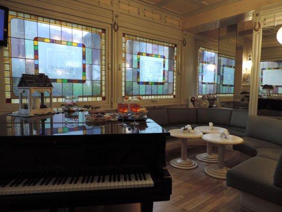 Rezia Hotel: Bar