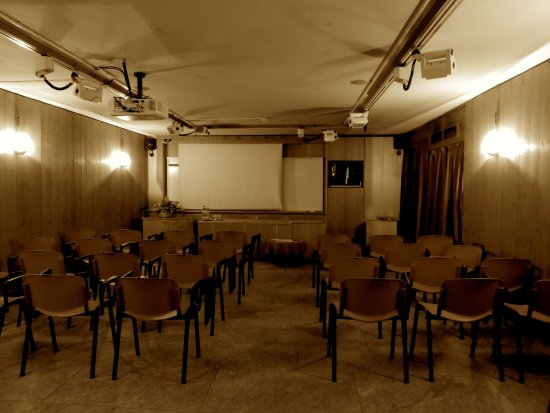 Rezia Hotel: Meeting Room