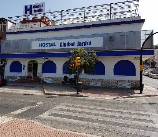 Img 20171214 101028 hostel ciudad for Hostal ciudad jardin malaga