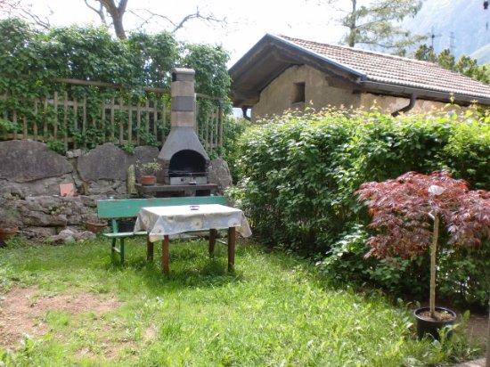Terlago, Italy: L'angolo barbecue