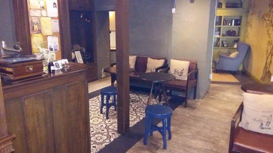 Niras Bankoc Cultural Hostel: 20170716_084601_large.jpg