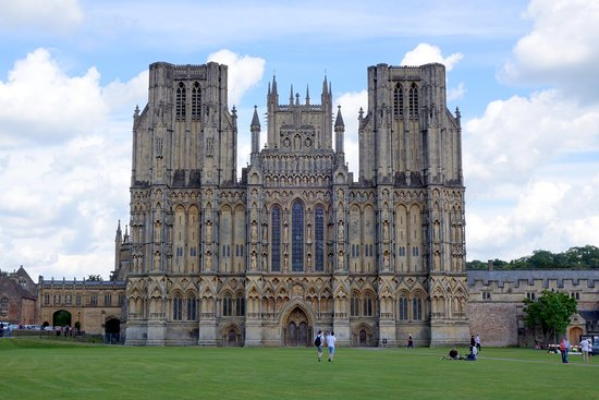 Hotels Near Wells Cathedral