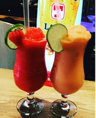Coylton, UK: Strawberry daiquiri or Strawberry & Mango Colada