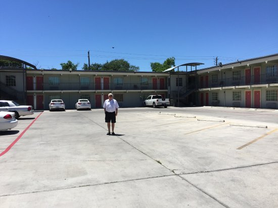 Del Rio, TX: Plenty of parking