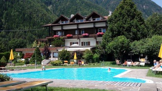 Gais, Włochy: Piscina dell'hotel