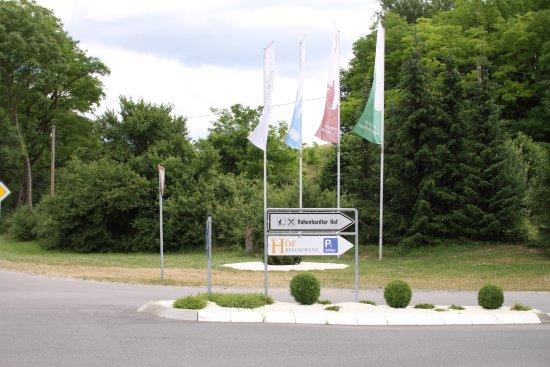 Wiesloch, Alemania: Einfahrt - Sicht von der Hauptstraße richtung Schatthausen