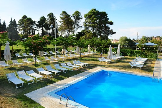 Parco delle piscine campground reviews price for Piscine price