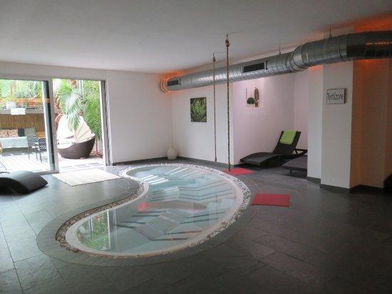 Bamboo Activ Resort: Liegewirlpool