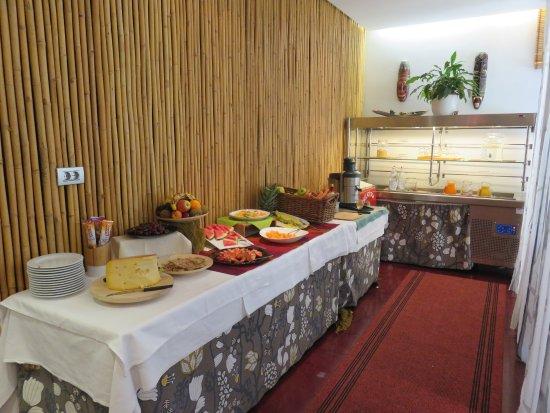 Bamboo Activ Resort: frische Früchten und Maschine für frischen Jus
