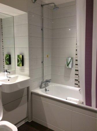 Premier Inn London Wandsworth Hotel: photo6.jpg