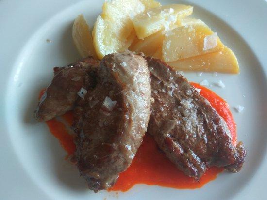 La Joya, إسبانيا: presa ibérica marinada con salsa de piquillo