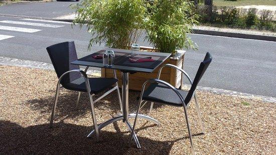terrasse picture of la cheminee neuvy tripadvisor. Black Bedroom Furniture Sets. Home Design Ideas