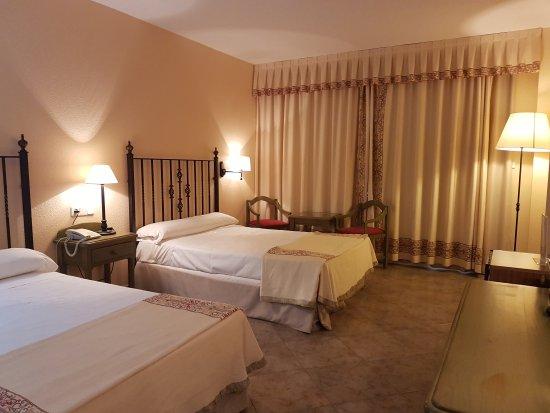 Best Western Hotel Salobrena: 20170715_163907_large.jpg