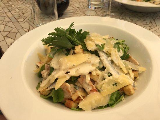 Les Deux Tours: Salade César