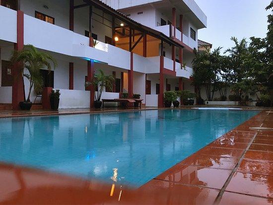 Reef Resort: photo1.jpg