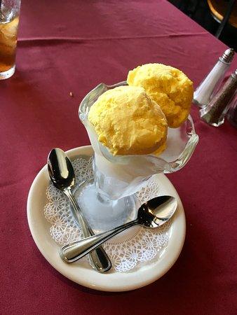 Pars Persian Cuisine: Saffron Pistacchio Ice Cream