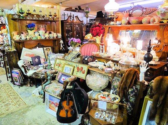 Landrum, Южная Каролина: too cluttered