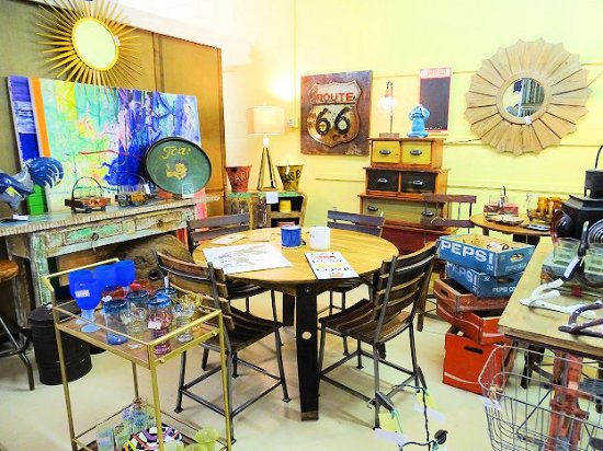 Landrum Antiques & Furniture