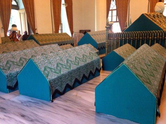 Tombs of Osman and Orhan : photo6.jpg