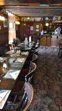 Huggate, UK: restaurant