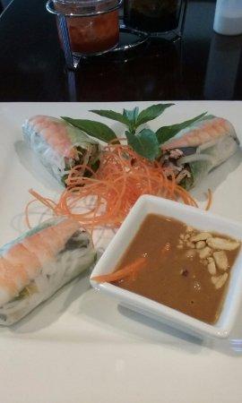 Ipho Sushi Kitchen Bar