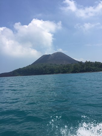 Krakatau Volcano (Krakatoa): Anak Krakatoa growing at 20 feet a year!