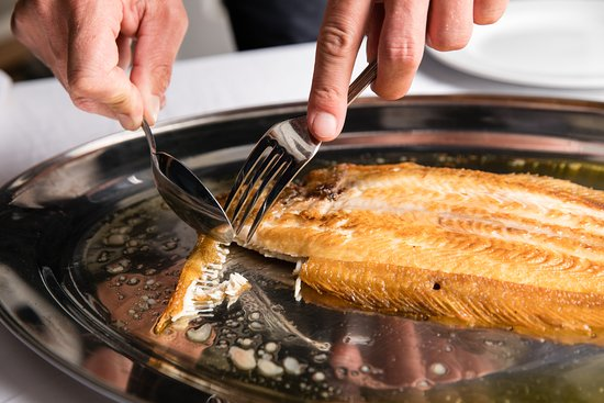 Screaming Eagle To Fillet Dover Sole Tableside Is A Tradition In Clic French Restaurants And