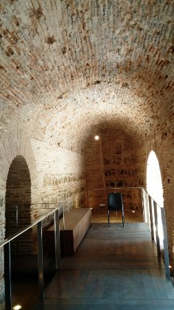 Museo del Greco: Another view of the cellar.