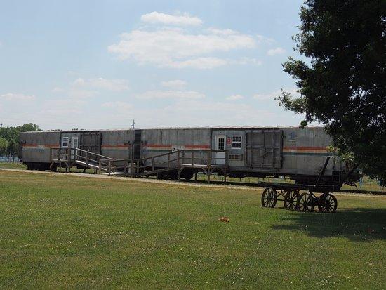 La Plata, MO: Amtrak Museum